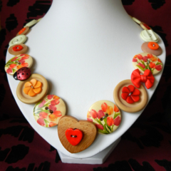 Tulip Time Button Necklace