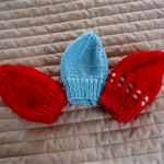 *Special * 3 beanies: New born beanies in Red/white, Red, Blue: Unisex
