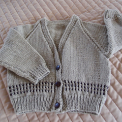 SIZE 2-3 years; knitted cardigan, camel & dark brown: boy, washable