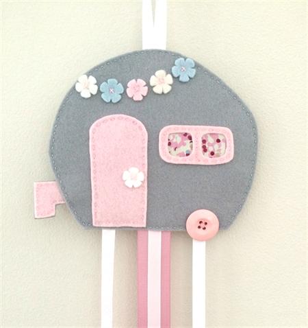 Caravan hair clips holder, felt, retro, grey, soft pink