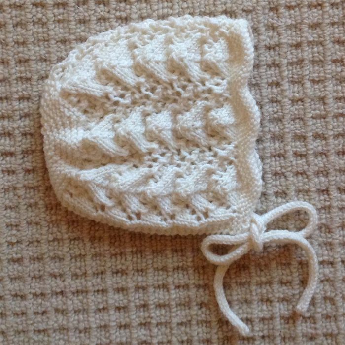 Hand Knitted Vintage Baby Bonnet superfine merino 0-3mths  904acac9007
