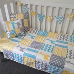 Baby quilt cot set
