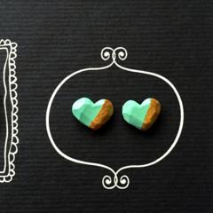 aquamarine blue/gold faceted heart stud earrings