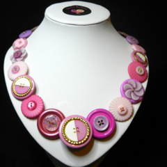 In the Pink button necklace