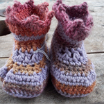 "crochet baby shoes ""giggle feet"" wool, soy, bamboo.  11-12cm foot"