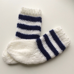 Pair of Baby Socks | Soft Pure Wool | 3 - 6 months | White | Navy | Hand Knitted