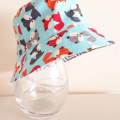 Boys summer hat in friendly foxes fabric