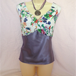 LADIES GORGEOUS TWO TONE   FLORAL TOP size 18