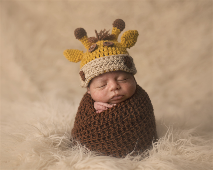 Baby Giraffe Hat   Beanie - Newborn to 3 Months   Photography Prop ... 284b3963cc1
