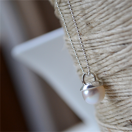 """Gumnut"" Freshwater Pearl and Sterling Silver Necklace."