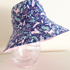 Girls summer hat in blue unicorn fabric