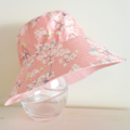 Girls summer hat in sweet blossom fabric