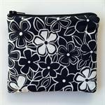 Black & White Daisy Purse