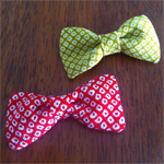 Bow hair clip - red / Japanese crepe / chirimen / handcrafted / traditional
