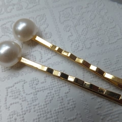 White Resin Pearl Gold Hair Clips-2 hair clips