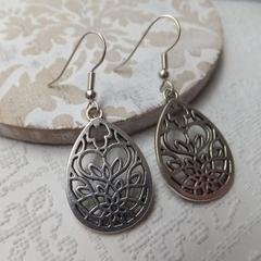 Antique Silver Filigree Flower Teardrop Earrings -drop earrings hang 4.5cm long