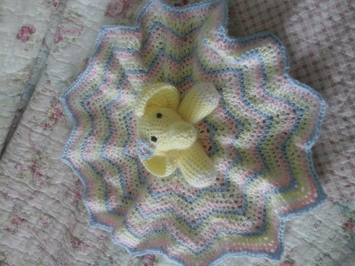 Crochet Elephant Lovie | 525x700