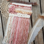 Small woven wall hanging - Pink & caramel