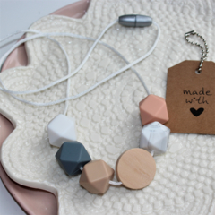 Silicone & Natural Wood Nursing Necklace Mum Jewellery BPA FREE