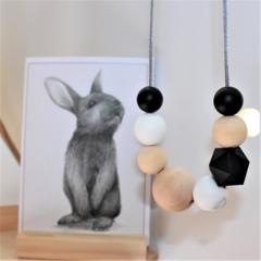 Silicone Nursing Necklace Mum Jewellery BPA FREE Black & Natural Wood