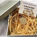 I need you to hold my dress - Earring & Necklace Gift Box