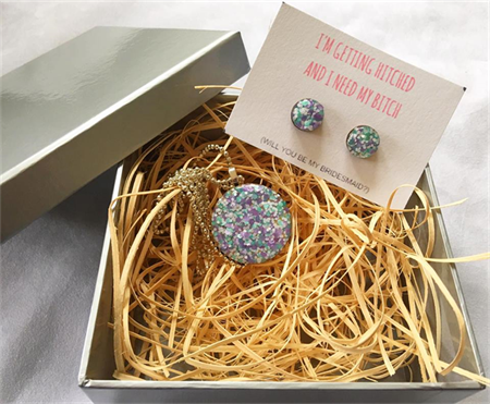 I need my B$T*H to get hitched - Earring & Necklace Gift Box