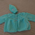 Size 0-6mths hand knitted baby jacket/cardigan and beanie