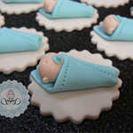 12x edible fondant baby shower/birthday cupcake toppers. Choose Colour