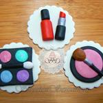 12x Edible fondant girls makeup kit / make up birthday cupcake toppers