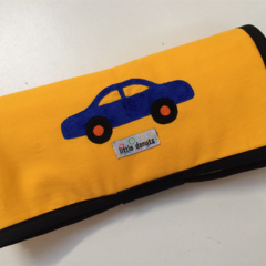 ~ NEW V'room Car Playmat in Yellow with 3 car 'garage' ~