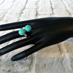 Ring, silver beaded statement with robin egg blue turquoise gemstone.