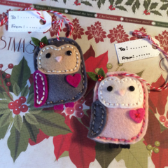 Christmas gift tags. Set of 2 100% wool Owl felt gift tags /decorations.