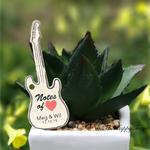 25 x Guitar customised wedding thank you tags
