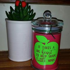 "Teacher's Gift - vinyl decal ""It takes a big heart to help  shape little minds"""