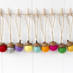 25 Felted Acorns. Felt Ball Acorn Ornaments.Christmas tree ornaments.Felt Acorns