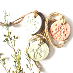 Christmas Aromatherapy Clay Pendant Diffuser - Jute Strap
