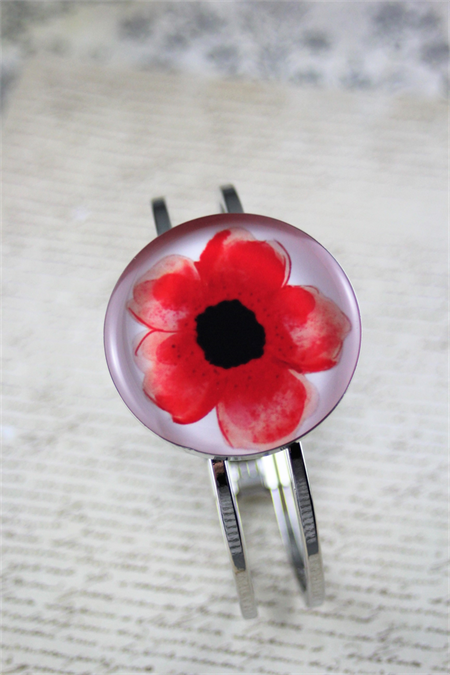 Women's round resin silver cuff bracelet bangle, red, poppy, flower, print