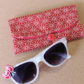 KIDS / PADDED POUCH - RED - HEMP LEAVES / Glasses case