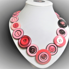 Button necklace - Inky Pinky