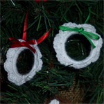 Set of 3 crocheted Christmas wreaths | tree decorations | red or green