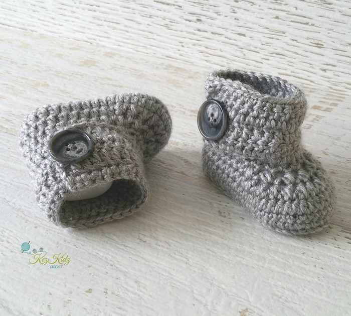 Grey Newborn Crochet Baby Booties Shoes Socks Baby Reveal Pregnancy  Announcement  fbabc3a10