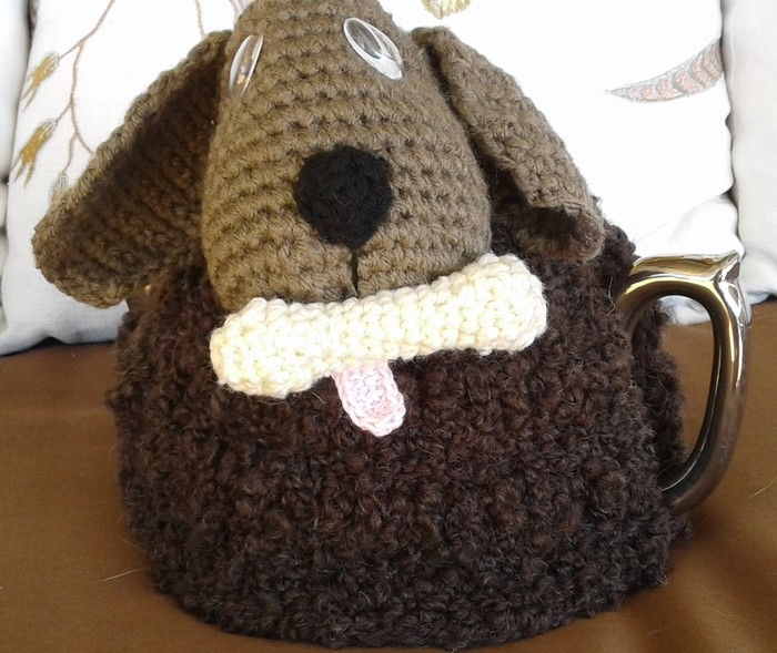 Cute Puppy Dog With Bone 4 Cup Tea Cosy In Easy Care Acrylic Yarn
