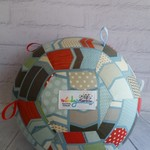 Balloon Ball: Arrows in neutral tones. Taggie