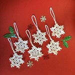 Six White Hand Crocheted Snowflakes Xmas Tree Decorations Set