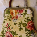 Rose Handbag with wooden handle
