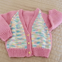 Size 6-12 months: Girls cardigan in Multi colour: fashionable, washable