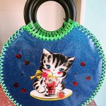 Vintage inspired cutesy kitten bag
