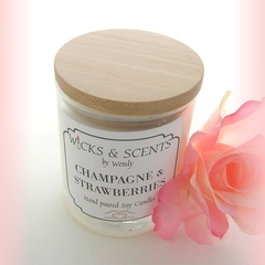 CHAMPAGNE & STRAWBERRIES SCENTED CANDLE