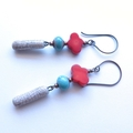 Crackle drop red coral and  green earrings