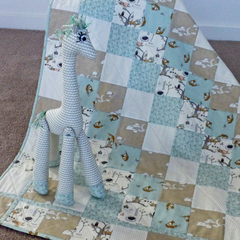Cot quilt : unisex. Team with a soft toy giraffe (separate listing)
